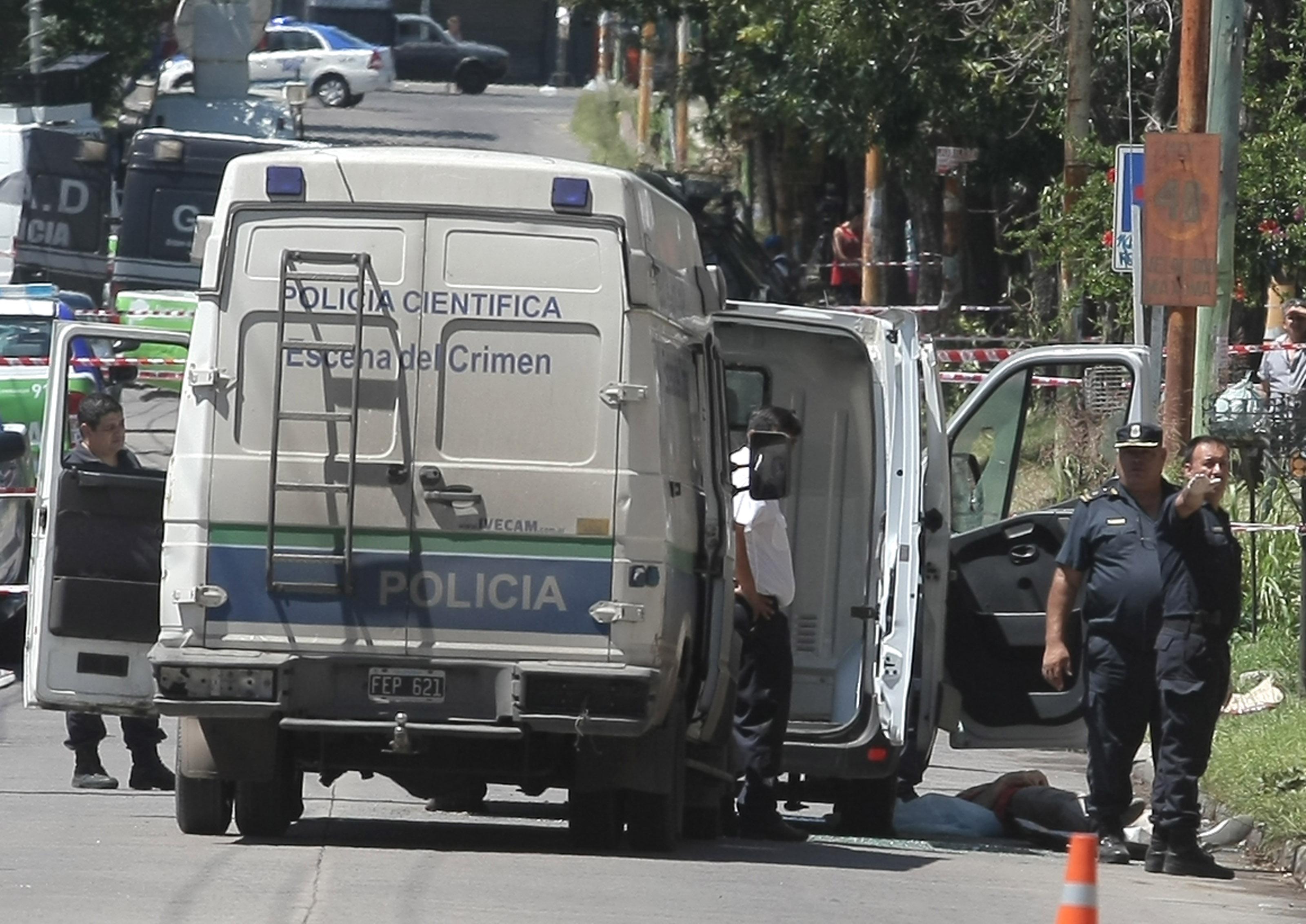 DYN14, BUENOS AIRES 30/01/17, UN EMPRESARIO DE VENTA DE TABACO, FUE ACRIBILLADO EN LA LOCALIDAD DE EZPELETA.FOTO:DYN/PABLO MOLINA.