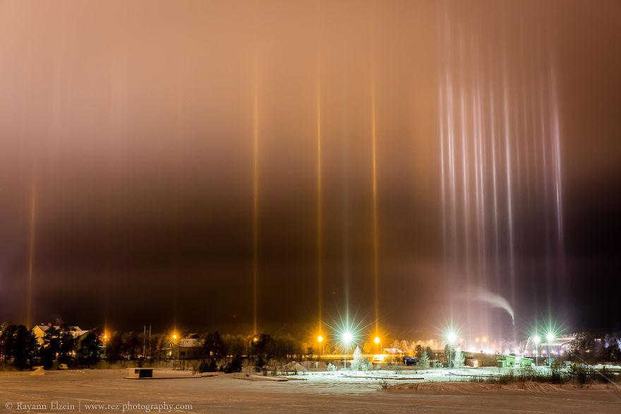 light-pillars-night-sky-ontario-timothy-joseph-elzinga-30-58788f0a5c2d7__880