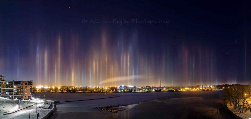 light-pillars-night-sky-ontario-timothy-joseph-elzinga-37-58788f1c9c853__880