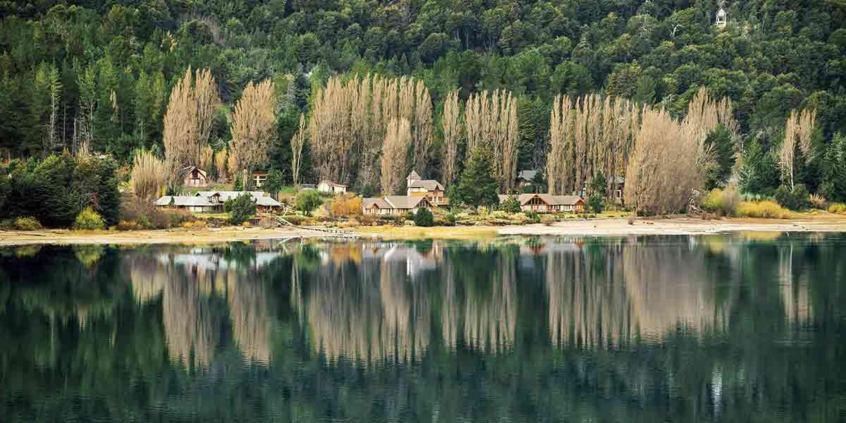 En San Carlos de Bariloche se encuentra la puerta de entrada al Parque Nacional Nahuel Huapi, en la región de los lagos.