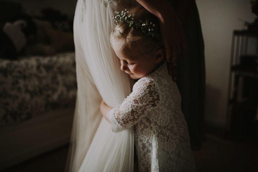 Top-50-Wedding-Photos-of-2016-586bd3422f510__880