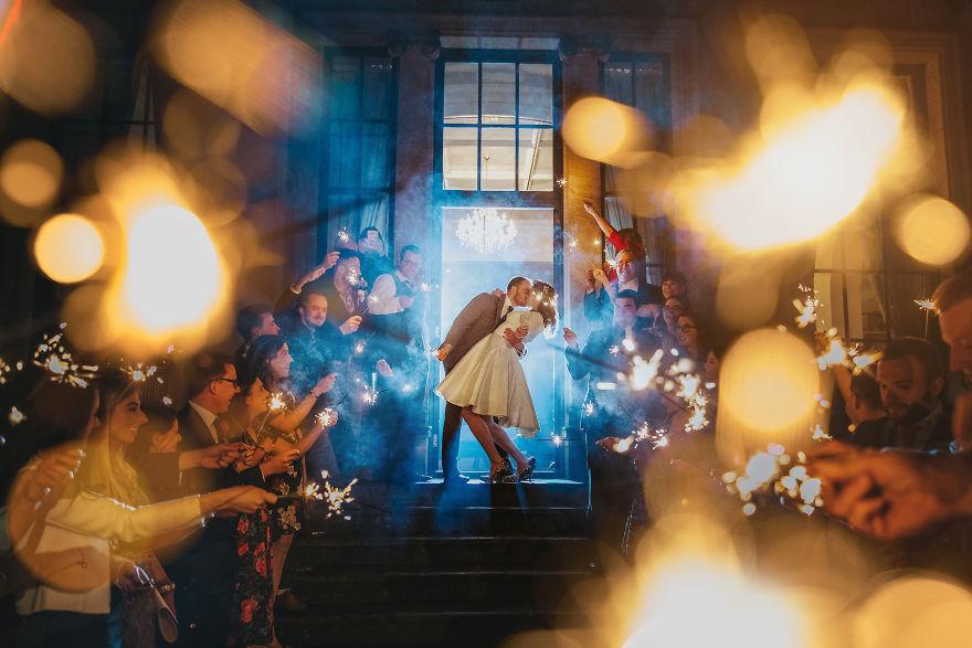 Top-50-Wedding-Photos-of-2016-586bd6462b901__880