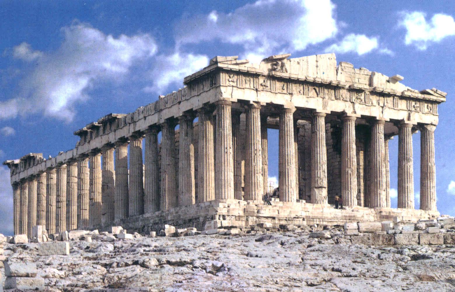 El Partenón es uno de los principales templos dóricos que se conservan, construido entre los años 447 a. C. y 432 a. C. en la Acrópolis de Atenas