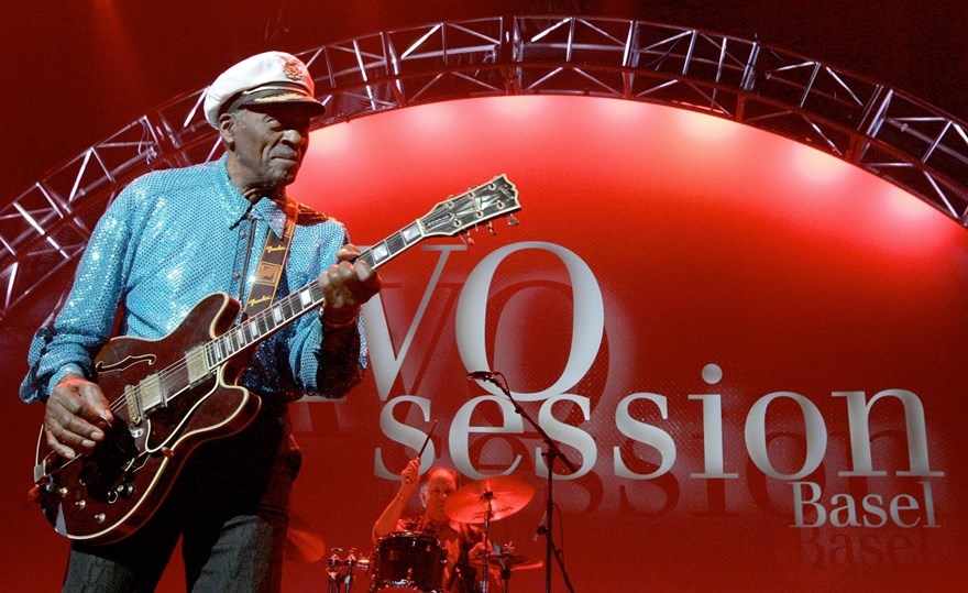 Legendary US musician Chuck Berry performs on stage at the Avo Session in Basel, Switzerland, Tuesday, Nov 13, 2007. (AP Photo/Keystone, Peter Klaunzer) *** EDITORIAL USE ONLY ***