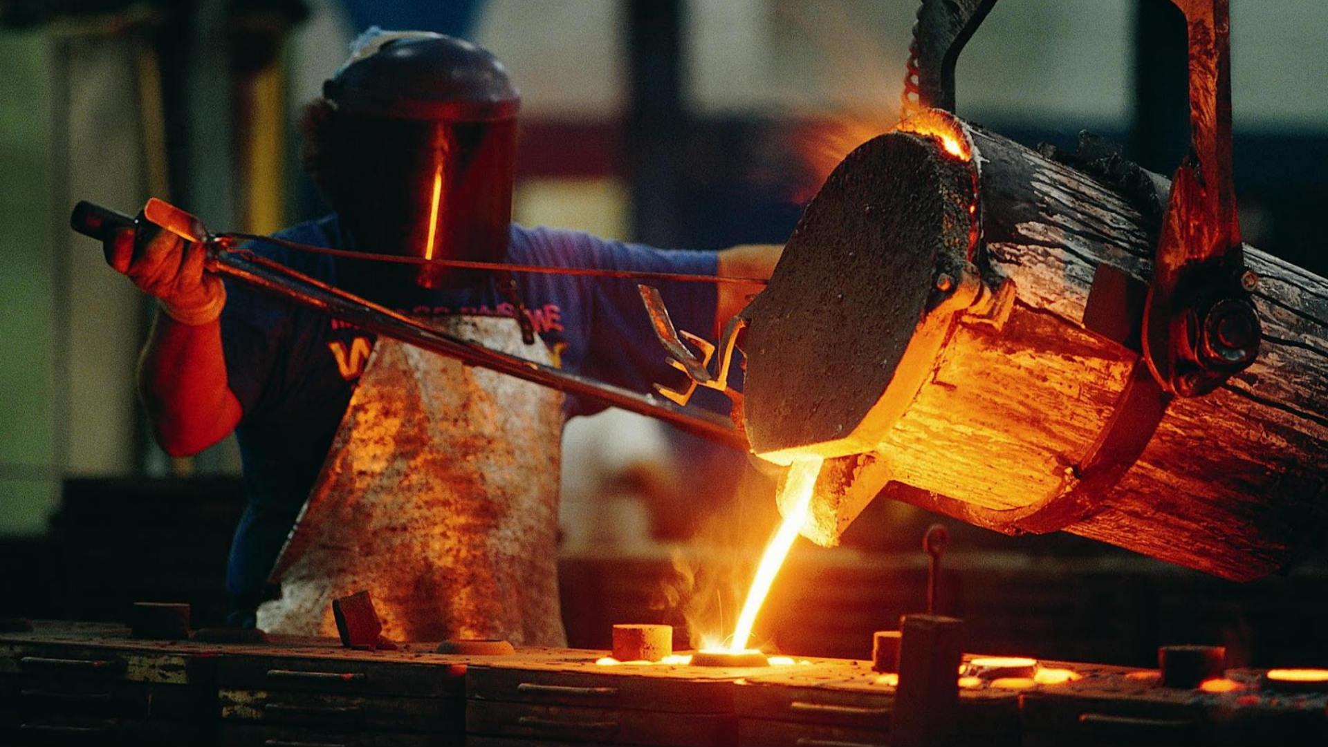 siderurgia-fabrica-pbi-economia-crecimiento