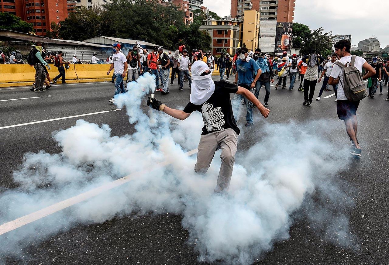 Fuerte presión regional para que Venezuela llame a elecciones. A través de un comunicado, Argentina, Brasil, Chile, Colombia, Costa Rica, México, Paraguay, Perú y Uruguay condenaron los hechos de violencia en Venezuela.