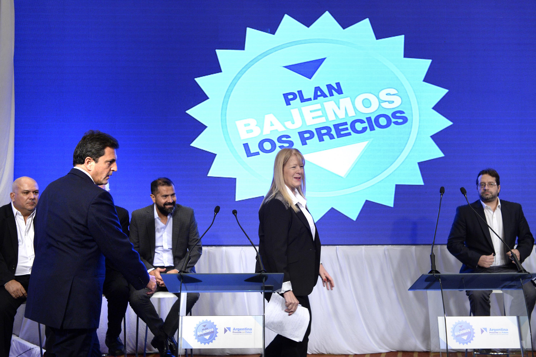 DYN08, BUENOS AIRES 28/04/2017, CONFERENCIA DE PRENSA DE LOS DIPUTADOS DEL FRENTE RENOVADOR Y EL GEN SERGIO MASSA Y MARGARITA STOLBIZER.FOTO:DYN/RODOLFO PEZZONI.
