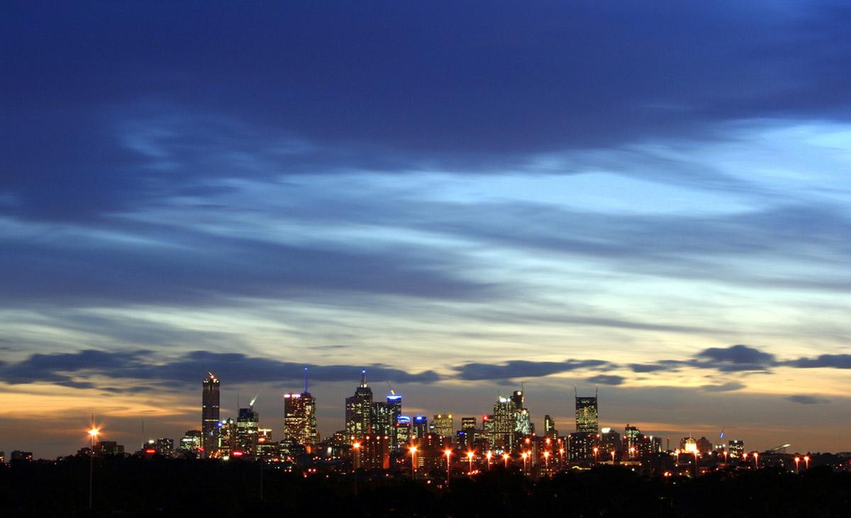 """La segunda ciudad más grande de Australia, fue la segunda Ciudad de la Literatura nombrada por la UNESCO, en agosto de 2008. La urbe tiene una red de bibliotecas espectacular y hay una gran cantidad de librerías. La City Basement Books es famosa por estar decorada como si fuera un lugar de """"Alicia en el País de las Maravillas"""""""