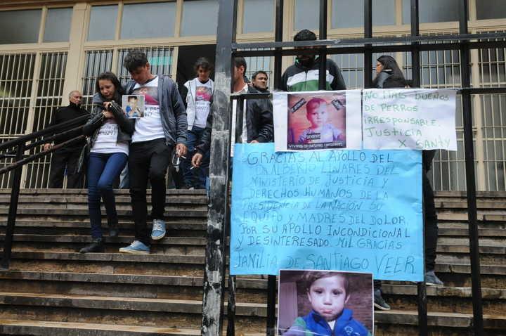 Santiago tenía dos años cuando fue atacado el pitbull de González y murió poco después.