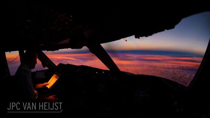 aerial-photos-boeing-747-plane-cockpit-jpc-van-heijst-22-592c0ef7f1001__700