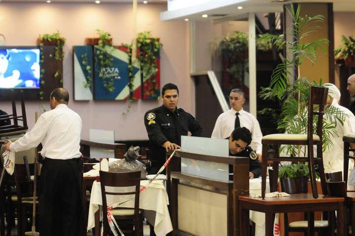 El restaurante, horas después del crimen