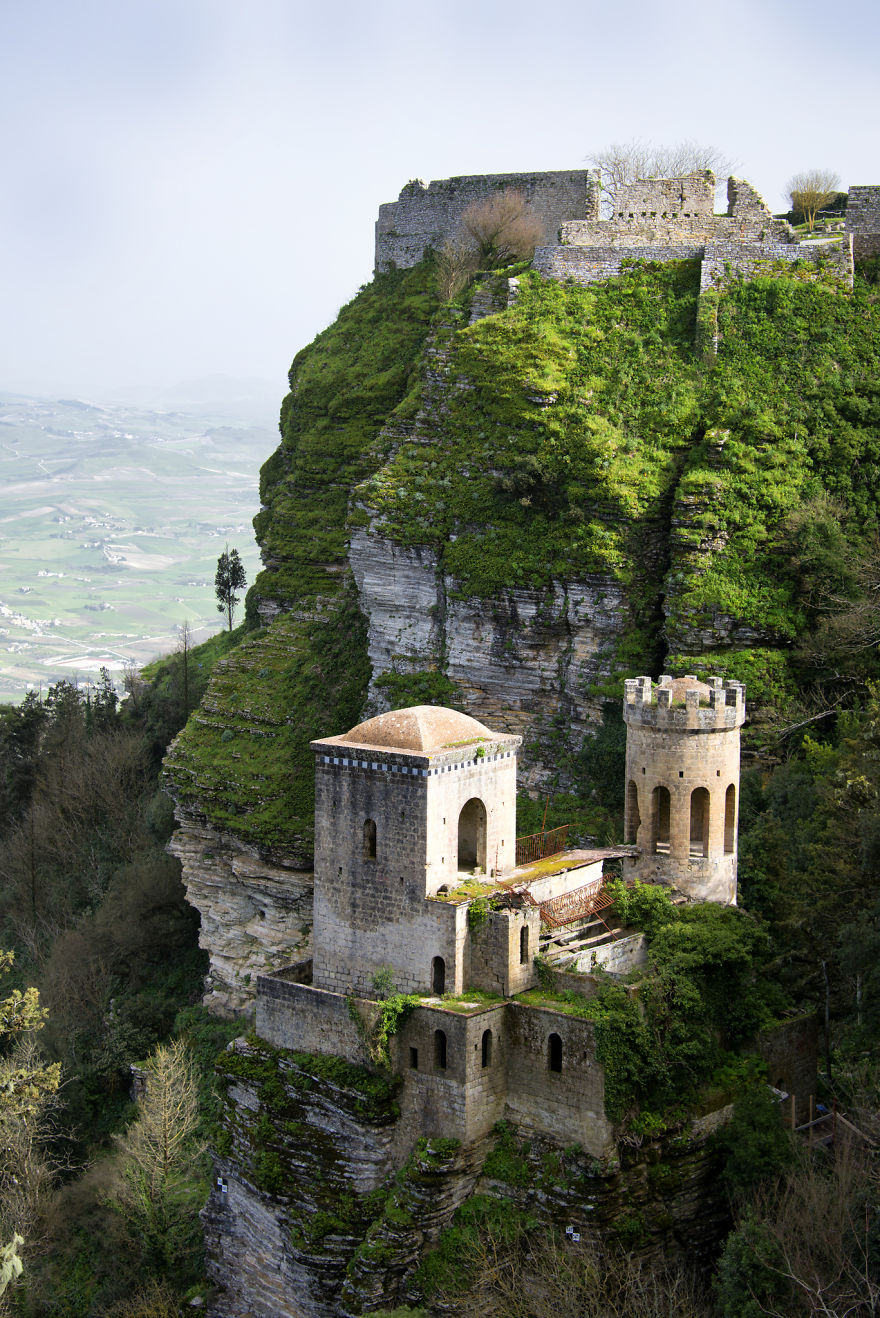 italy-gives-away-free-castles-8-591eb31232ac7__880