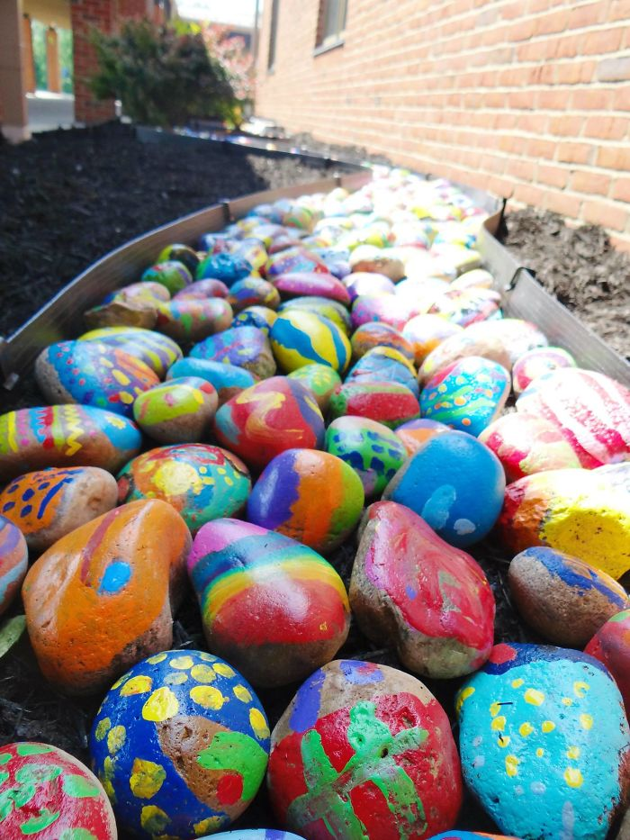 painted-rocks-art-project-only-one-you-sharon-elementary-jessica-moyes-10-59196f640882f__700
