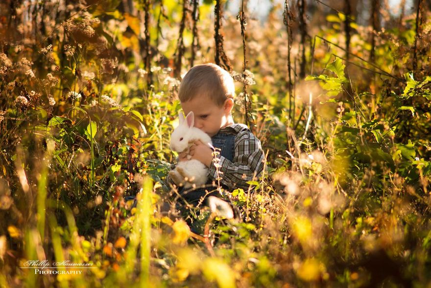 Whats-better-then-photos-of-cute-kids-Cute-kids-with-animals-20-photos-of-cute-kids-with-animals-59229ae1cc15b__880