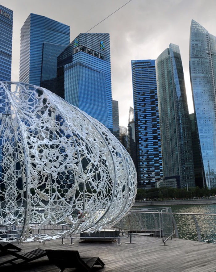 crocheted-urchins-sculpture-choi-shine-architects-singapore-marina-bay-2