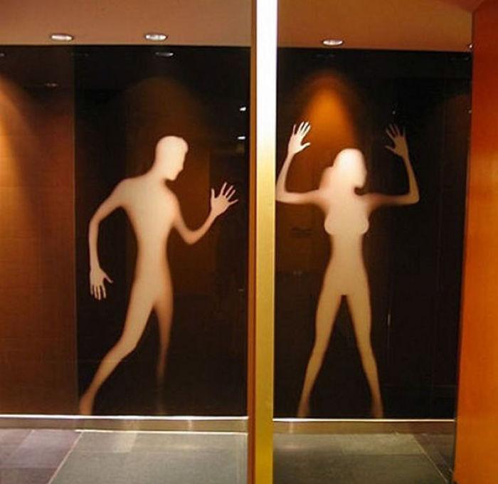 funny-bathroom-signs-561__700