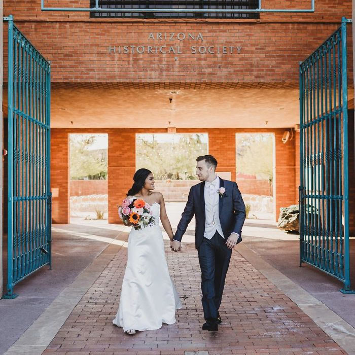 guy-marries-preschool-crush-laura-matt-grodsky-20-5954bc8c8dc1c__700