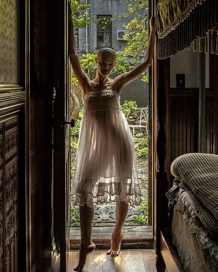 Meet-Melanie-Gaydos-the-model-who-broke-all-fashion-stereotypes-59350b76c37f4__700