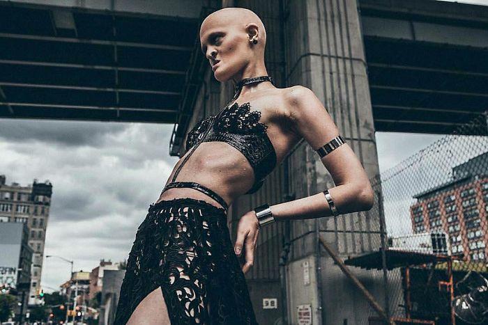 Meet-Melanie-Gaydos-the-model-who-broke-all-fashion-stereotypes-59350b8526ed6__700