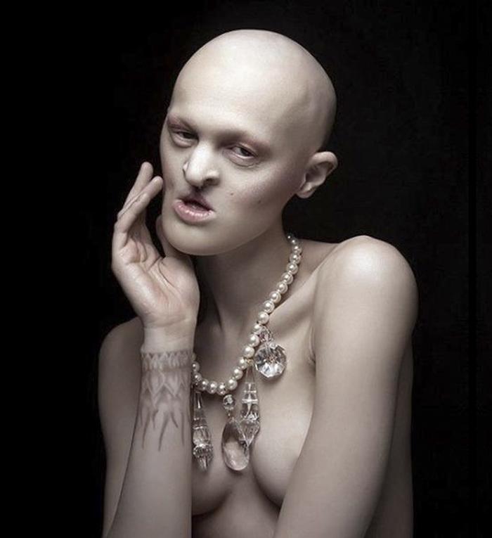 Meet-Melanie-Gaydos-the-model-who-broke-all-fashion-stereotypes-59351b0c48c0f__700