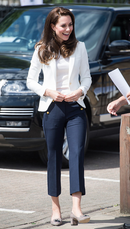 rs_426x749-170616045434-634.Kate-Middleton-JR-061617