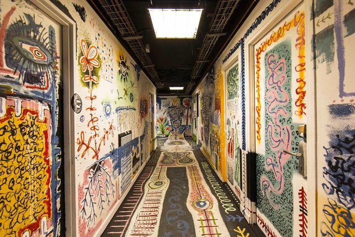 100-graffiti-artists-university-painting-rehab2-paris-10-596dae8b05136__700
