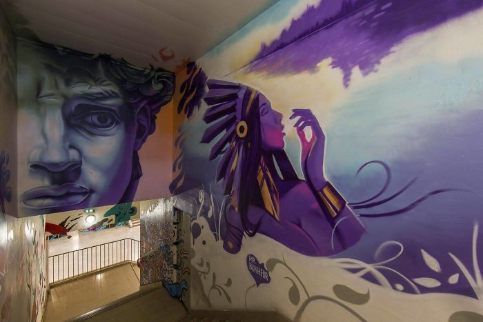 100-graffiti-artists-university-painting-rehab2-paris-596db595cd4ad__700