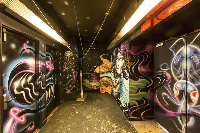 100-graffiti-artists-university-painting-rehab2-paris-596db7912ab61__700