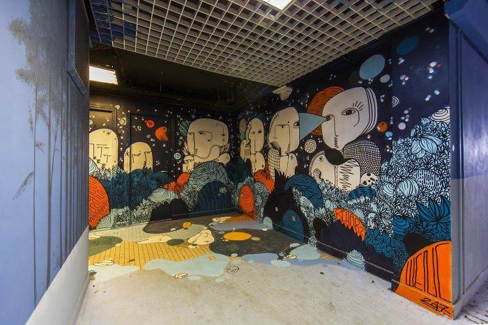 100-graffiti-artists-university-painting-rehab2-paris-596dbbf3e8045__700