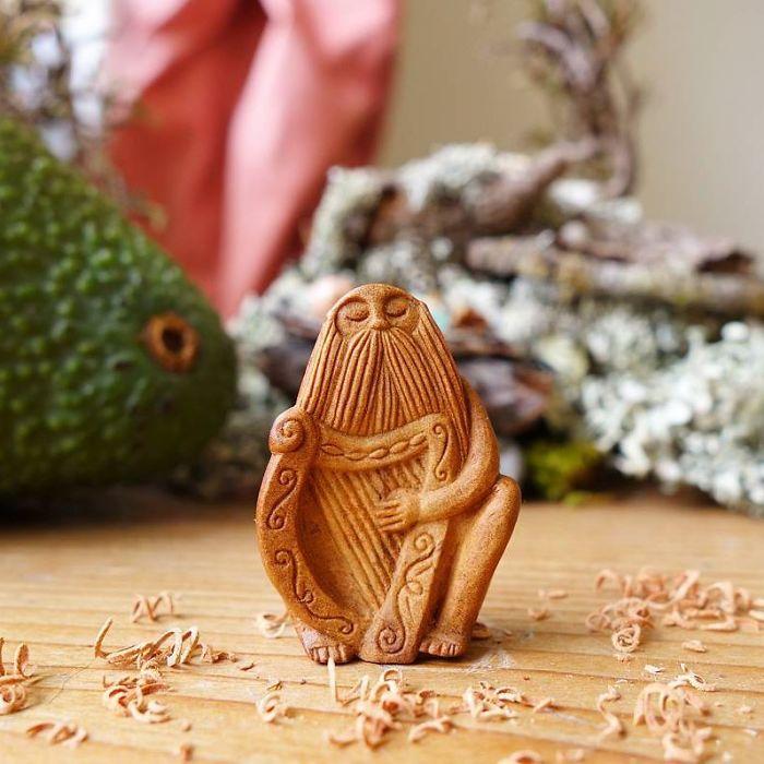 carved-totems-avocado-stone-faces-2-596715cdbc703__700