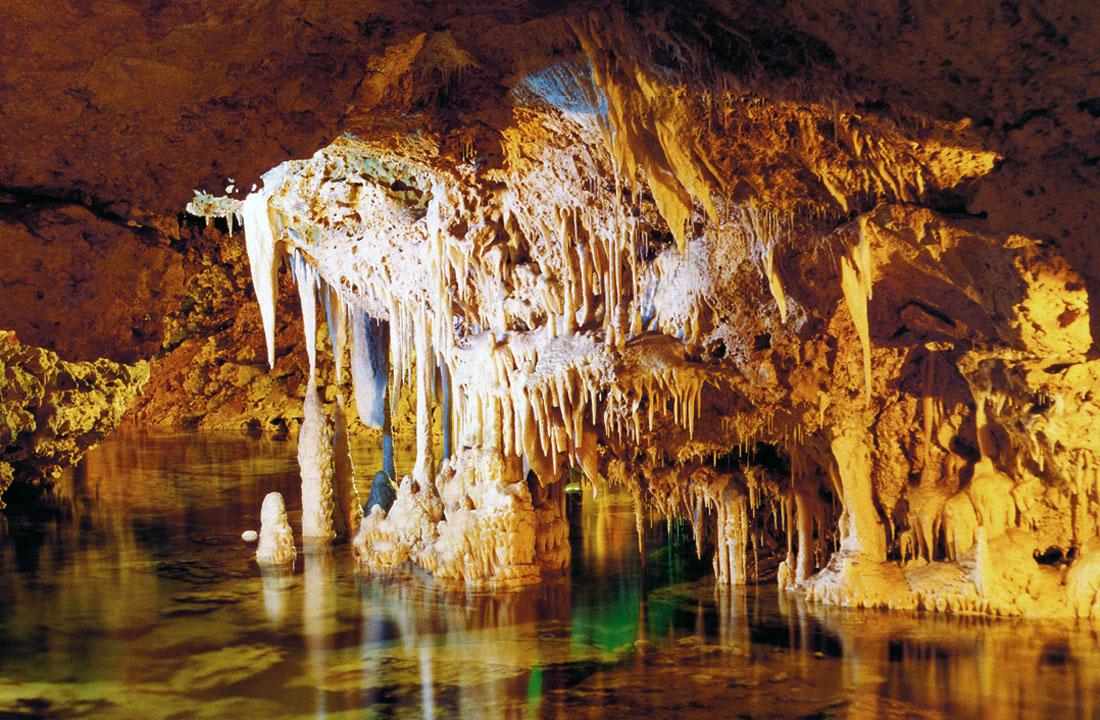 coves-dels-hams-mallorca-agencia-de-turisme-de-les-illes-balears_e5c7606a