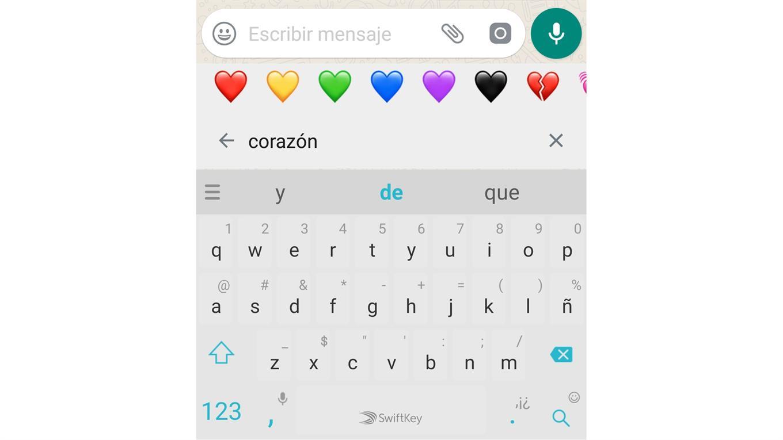 Whatsapp ahora permite buscar emojis por palabra clave.