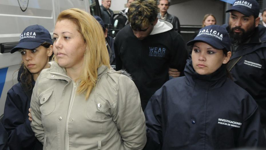 Gabriela Rodríguez, en 2012, al ser detenida por el robo a una financiera.