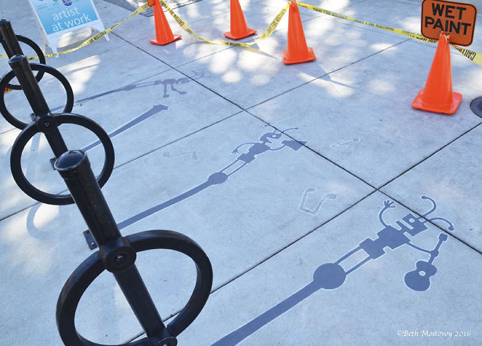 fake-shadow-street-art-damon-belanger-redwood-california-13-599bf27d03802__700