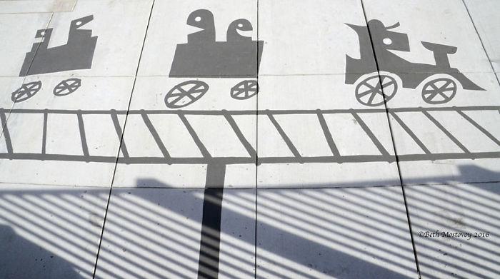fake-shadow-street-art-damon-belanger-redwood-california-3-599bf26ac3d97__700