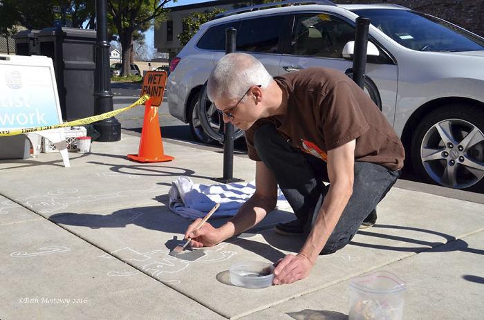 fake-shadow-street-art-damon-belanger-redwood-california-5-599bf26f63b62__700
