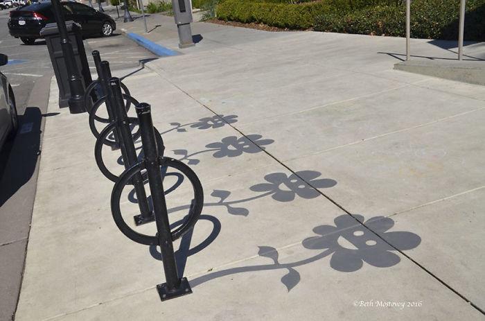 fake-shadow-street-art-damon-belanger-redwood-california-6-599bf2710e810__700