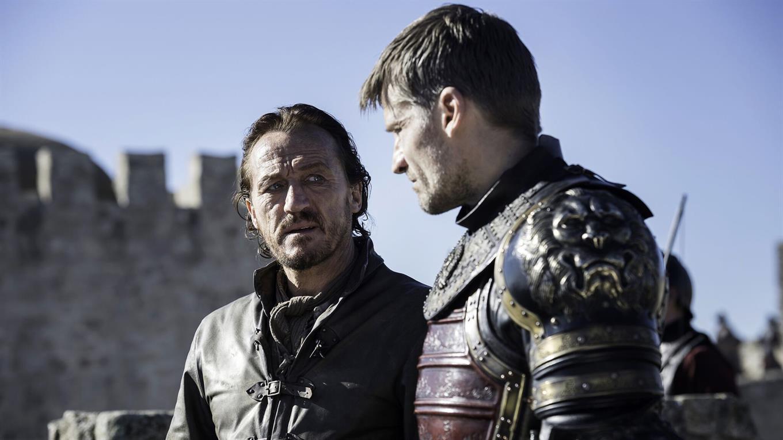 Bronn sigue sin el castillo y la esposa que le prometieron.