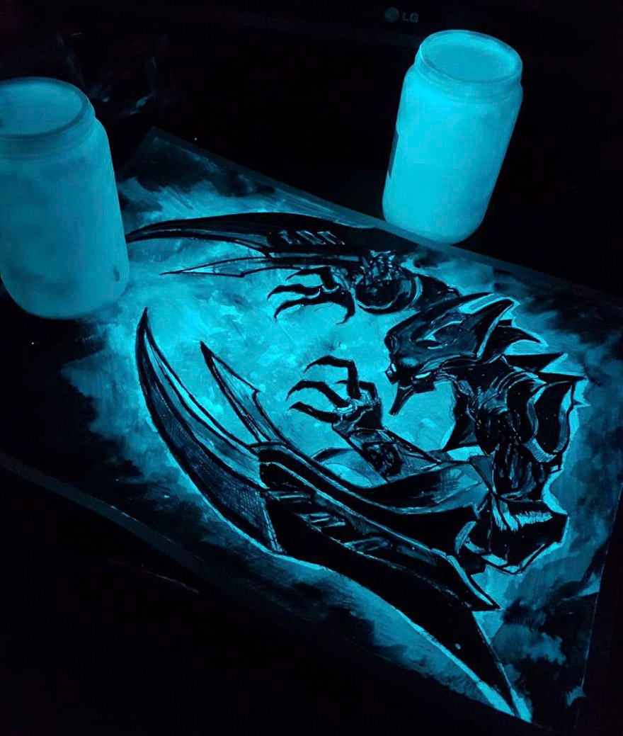 Glow-in-the-dark-Art-598ab1b39f58f__880