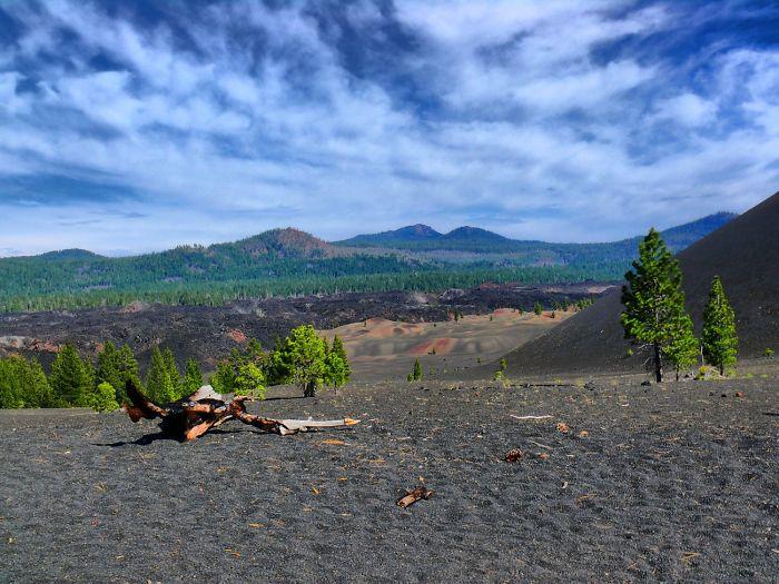 Lassen-Volcanic-National-Park-586bc0ccbc8cb__700