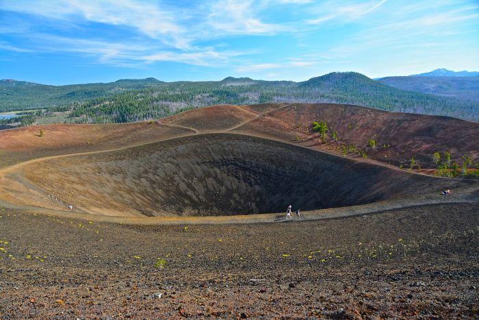 Lassen-Volcanic-National-Park-586bc0d2d1626__700