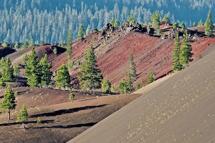 Lassen-Volcanic-National-Park-586bc58736ecb__700