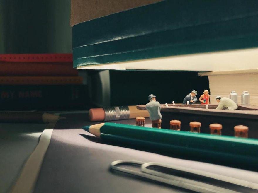 Miniature-Office-of-Derrick-Lin-598a18102d6c1__880
