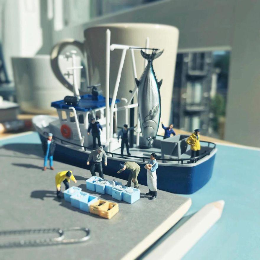 Miniature-Office-of-Derrick-Lin-598a19b122d40__880