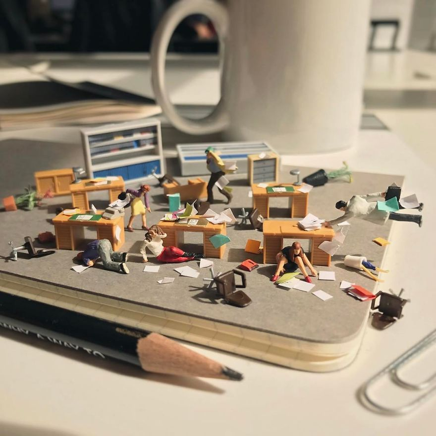 Miniature-Office-of-Derrick-Lin-598af446ceb35__880