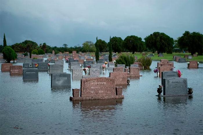 powerful-photos-hurricane-harvey-texas-44-59a534b4a6ebc__700