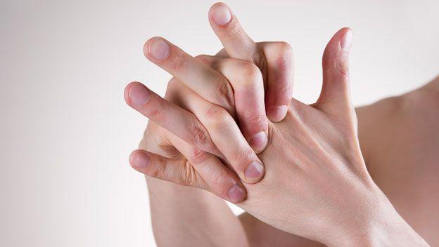 Realmente-es-malo-crujir-los-dedos-para-nuestras-articulaciones-07