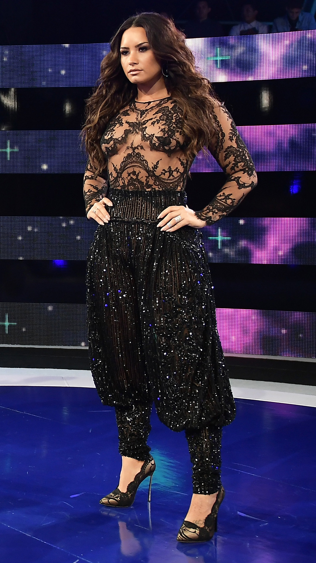 rs_1080x1920-170827151341-1080-demi-lovato-mtv-vma