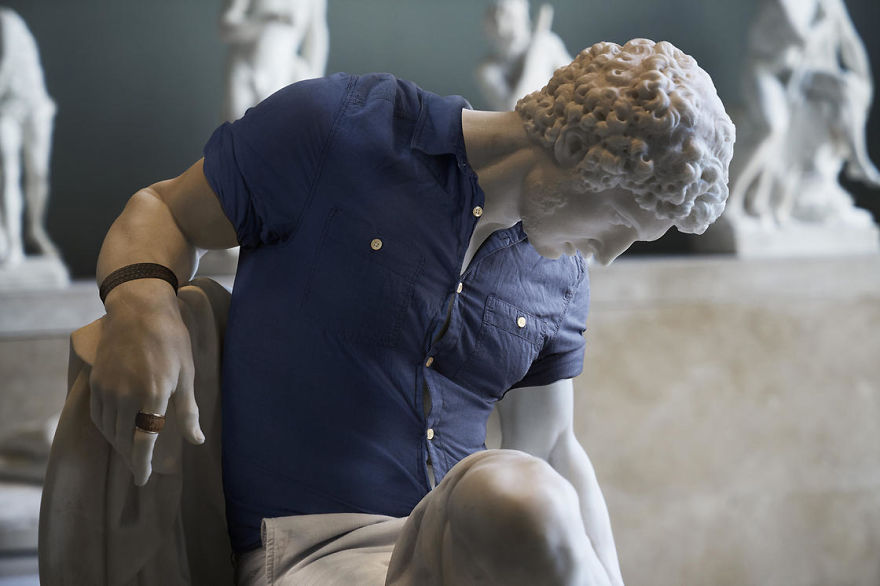 The-Hipsters-in-Stone-project-is-back-Old-dressed-statues-turning-instagram-stars-59902c66e9dcf__880