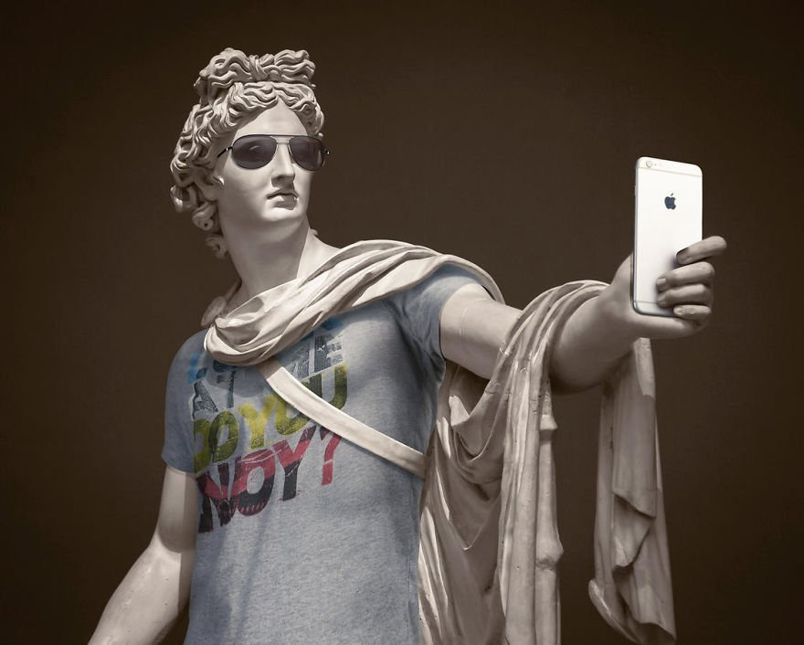 The-Hipsters-in-Stone-project-is-back-Old-dressed-statues-turning-instagram-stars-59902ce51c77a__880